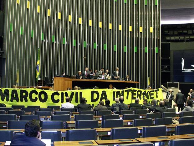 Post na web só com CPF e outras propostas tentam alterar o Marco Civil da Internet